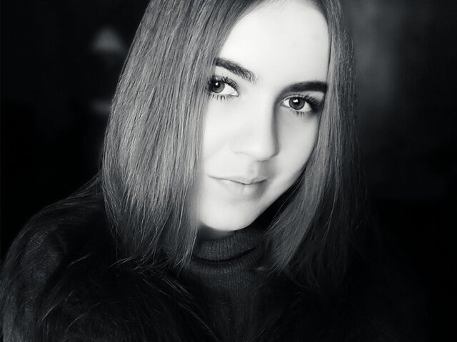 Gabi Bloom